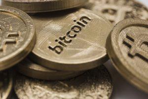 close-up-bitcoins_23-2147893792-obsidiam.com_