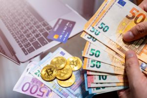 euro-currency-bitcoin-electronic-money-online-purchases_38058-874-obsidiam.com_