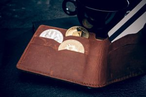 golden-bitcoin-men-s-purse-credit-card_155003-5310-obsidiam.com_