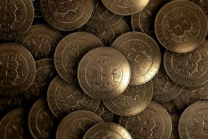 lot-gold-coins-are-bitcoin-from_99433-2745-obsidiam.com_