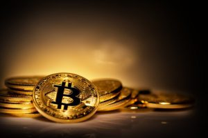 virtual-currency-bitcoin-pile-scattered-coins_159938-1811-obsidiam.com_